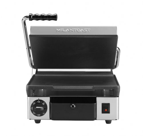 Maestrowave MEMT16002XNS Flat top and bottom non-stick plates